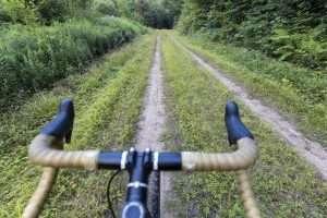 Gravel ride along the Grass