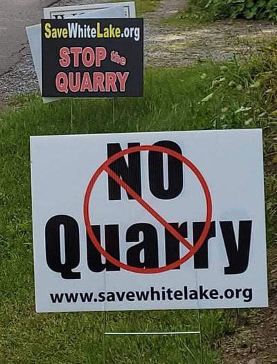 white lake quarry sign